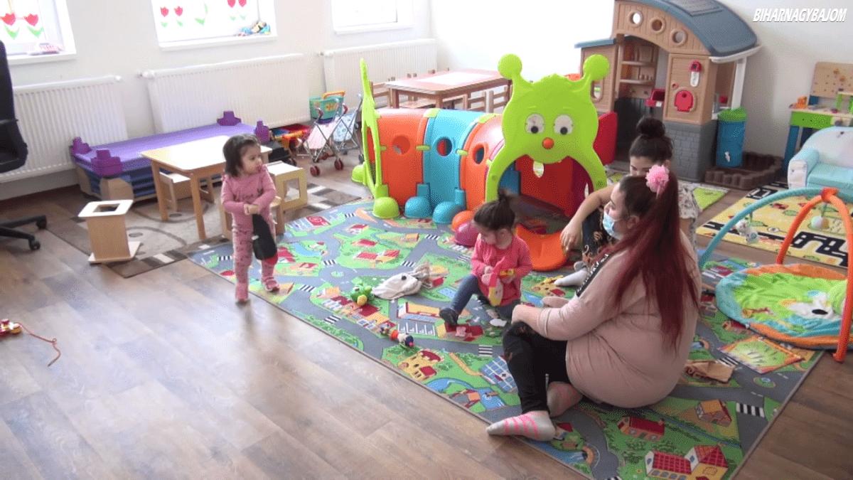 Új épületben folytatja működését a biharnagybajomi Napsugár Biztos Kezdet Gyerekház