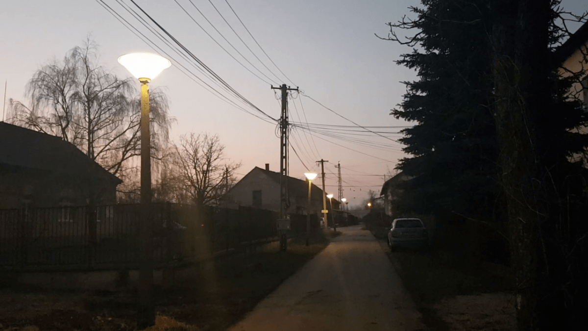 Ismét van közvilágítás az Ácsi cukorgyári lakótelepen