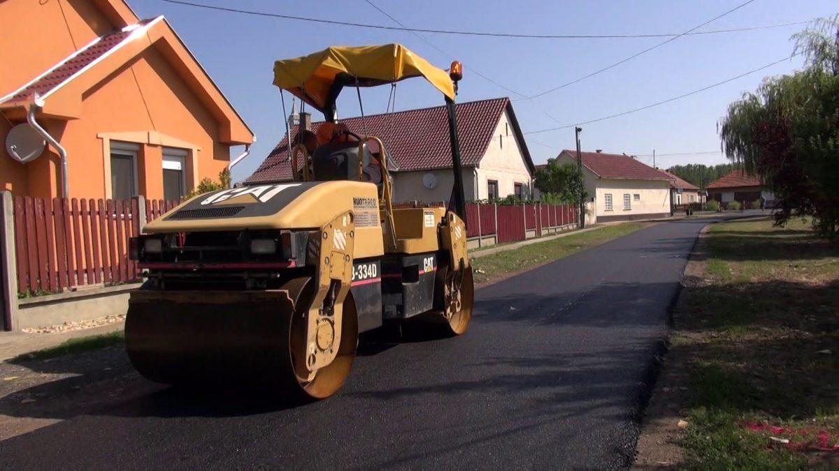 Teljes hosszában új aszfaltszőnyeget kap a Felszabadulás utca