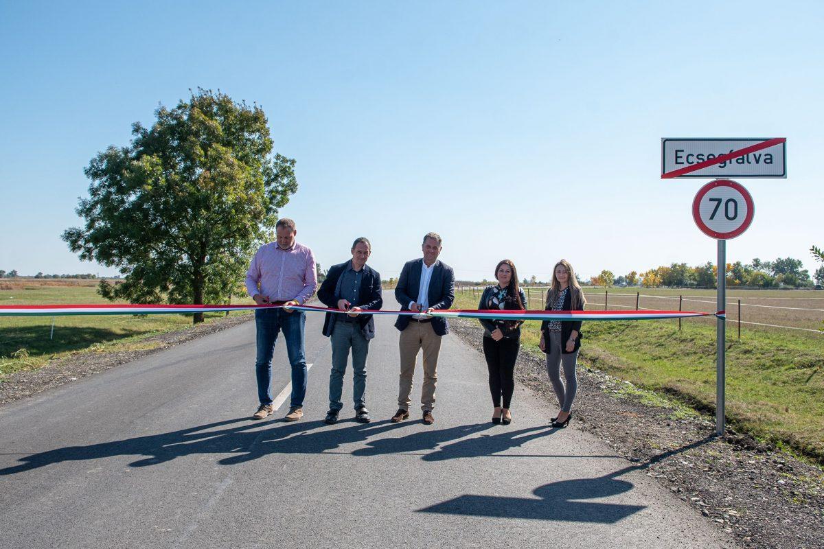 Kisújszállás-Körösladány összekötő út két szakasza is megújult a Magyar Falu Programban