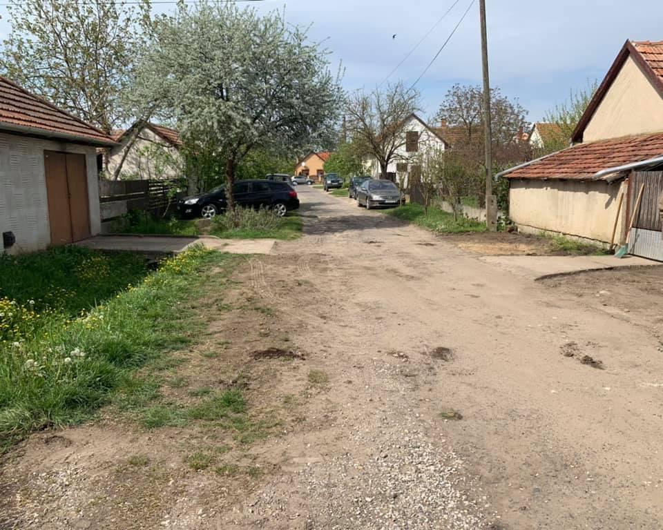 Megkezdődött Ady és a Kölcsey utcák kátyúzása Hortobágy településen